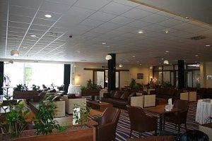 lobby si intrarea in restaurant