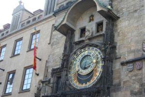 ceasul astronomic si apostolii