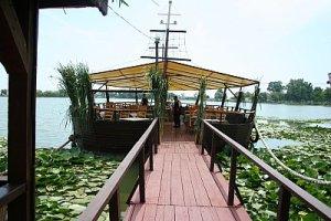 restaurant pe lac