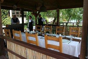 restaurantul de pe lac