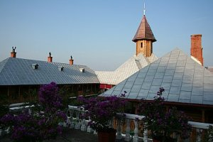 flori la manastirea sf ana